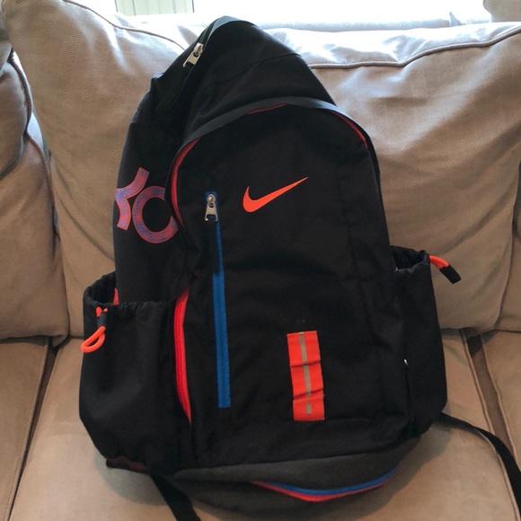 a83b7d0d87a4 Nike KD backpack. M 5b67058b47736822edd4382a